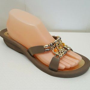 Grandco 10 Sandals Gold Tone Yellow Jewels Beads